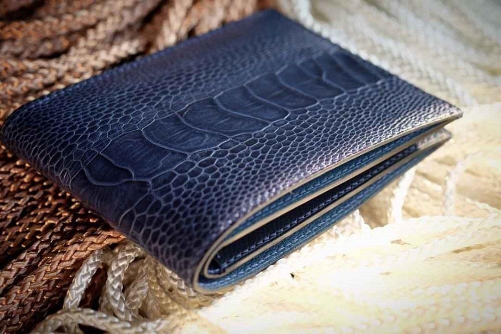 Mẫu ví da đà điểu xanh Navi cao cấp nhất năm 2020