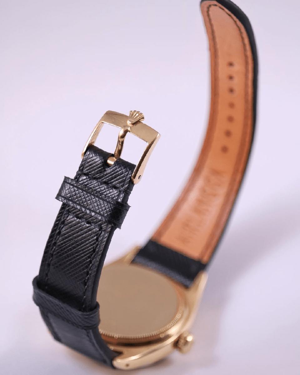 Da Saffiano được dùng làm dây đồng hồ