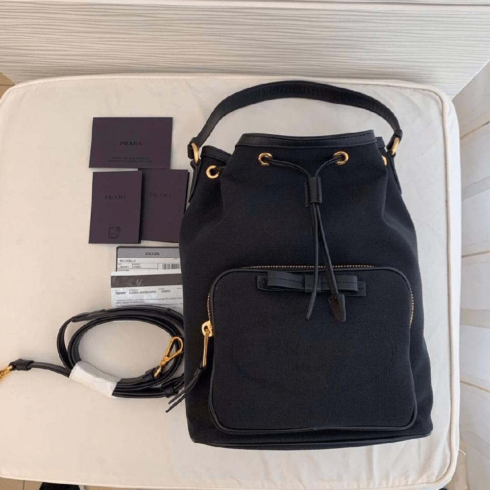Da Saffiano được thiết kế làm túi xách thời trang